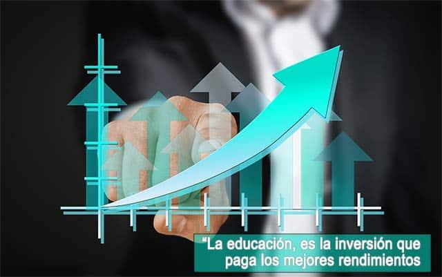 MBA a distancia en España - profesional msotrando grafica de crecimiento